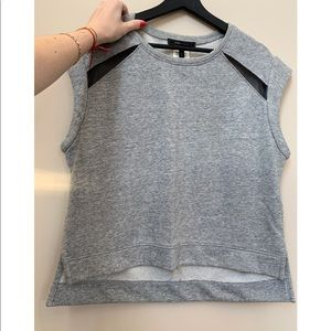 Great T shirt with sheer panels